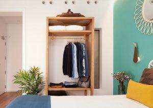 Petite City View room - Closet Detail