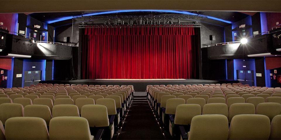 Famosos teatros a cerca de Hotel Vaganto