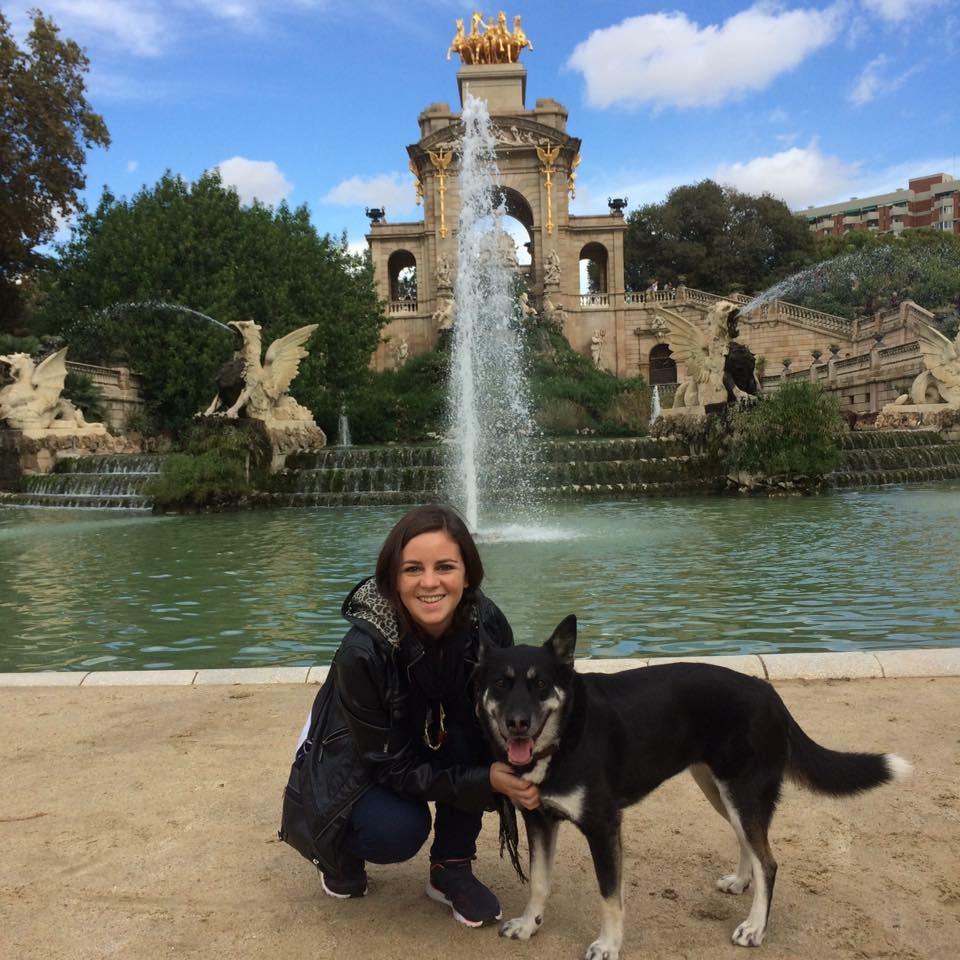Coni y su perro en Park de la Ciutadella